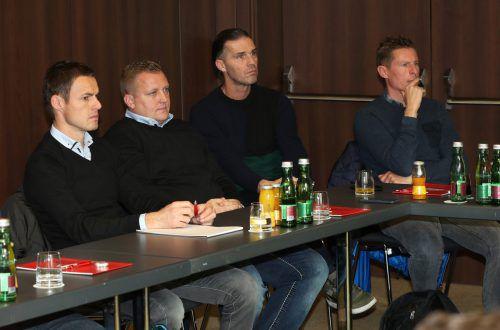 Austria-Coach Gernot Plassnegger (rechts) beim Trainerkurs zusammen mit Gerhard Fellner, dem Trainer des heutigen Gegners Wr. Neustadt.gepa