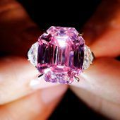 Rekordpreis für rosa Diamanten