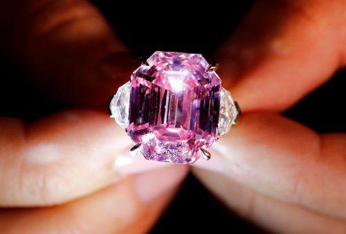 """Für den 19 Karat schweren Diamant """"Pink Legacy"""" wurden 39,1 Mill. Euro geboten. Rts"""