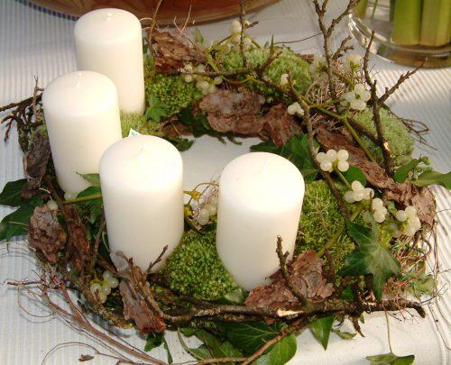 Gerade im Advent wertet schön anzusehende Dekoration in Verbindung mit Kerzen - etwa im Adventkranz – die Wohnung besonders auf.Stars for europe