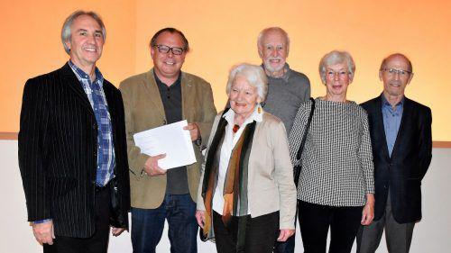 Herbert Nägele, Thomas Matt, Katharina Hotz, Nikolaus Emrich, Ilse Bechter und Herbert Prunar (Organisator). b. Loacker