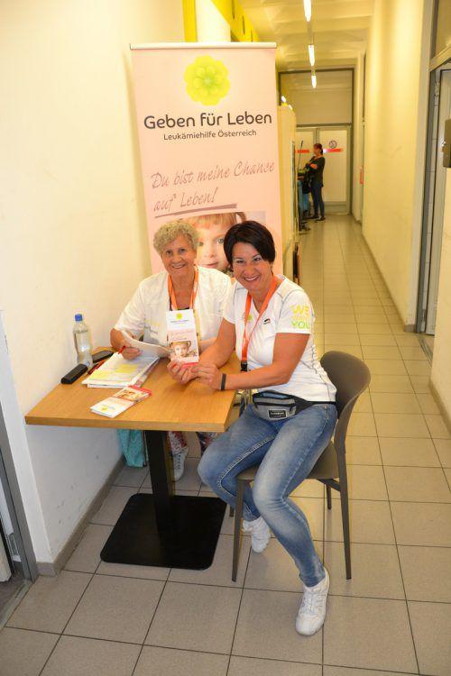 Unermüdlich sind Susanne Marosch (r.) und ihre Mutter Herlinde im Einsatz. verein