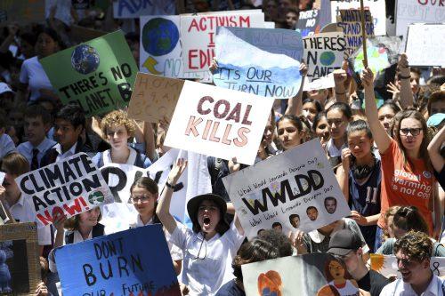 In Australien sind Tausende Schüler auf die Straße gegangen.AP
