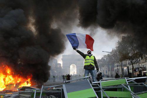 """In Paris schlug der Protest der """"Gelbwesten"""" in Chaos und Gewalt um. ap"""