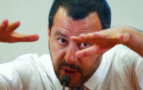 Italiens Innenminister Salvini zeigte sich zwar nicht beeindruckt, aberder italienische Ministerpräsident Giuseppe Conte signalisierte Gesprächsbereitschaft. reuters