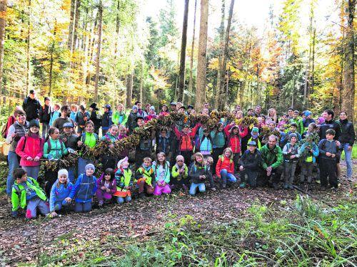 Klimaschutz der Volksschulen Krumbach, Riefensberg und Langenegg durch ihre engagierte Baumpflanzaktion.