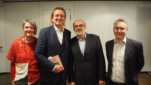Knecht-Nichte Angelika Kerschhaggl-Linder, Neffe Markus Linder, Historiker Werner Bundschuh und Thomas Gassner vom katholischen Bildungswerk. Egle