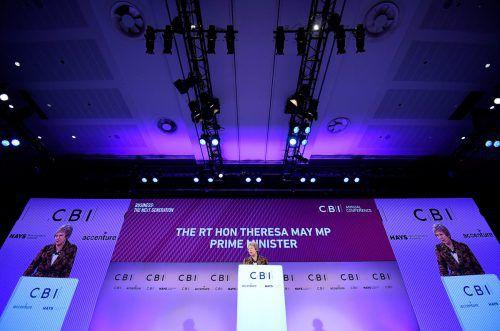 Kommt es zu einem Misstrauensvotum gegen die britische Premierministerin? Das blieb am Montag weiter unklar.AFP