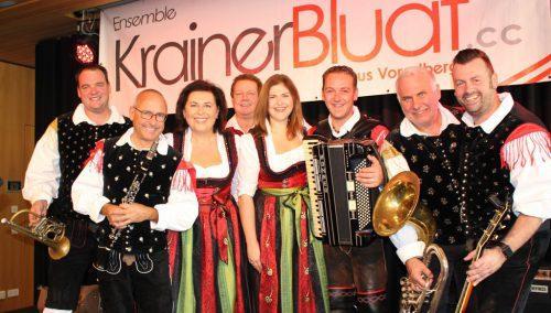 """""""KrainerBluat"""" – Simon Gmeiner, Gerhard Gabriel, Erika und Kurt Nachbaur, Jacqueline Schwarzhans, Gottfried Alber, Rudi Lässer, Kurt Lipburger (v. l.)."""