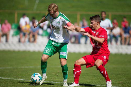 Langenegg-Kapitän Patrick Maldoner (links) will mit seinem Verein endlich wieder ein Spiel für sich entscheiden.VN-STEURER