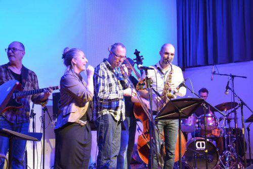 Lehrerinnen und Lehrer des Jazzseminars präsentieren sich in Dornbirn.