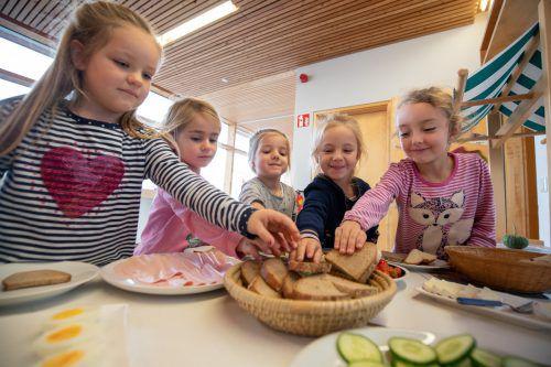 Eine verlässliche Kinderbetreuung auch in Ferienzeiten ist aus Sicht der Arbeiterkammer unerlässlich. Es ist nicht die einzige Forderung. VN/Sams