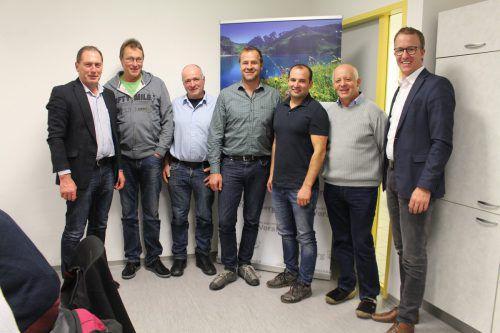 LK-Präsident Josef Moosbrugger (l.) und LR Christian Gantner (r.) gratulieren Norbert Fenkart (v.l.), Karl Klien, Tobias Ilg, Christoph Freuis und Reinhard Hofer. Bauernbund