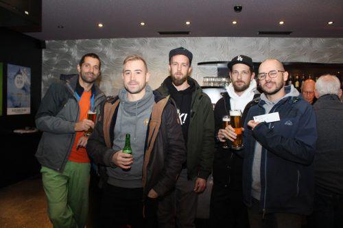 Marek, Sebastian, Jens, Chris und André sahen sich im Rio-Kino die MTB-Profis an.Heilmann