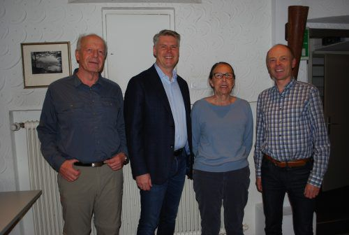 Martin Wohlgenannt, Werner Matt, Hildegard Oprießnig und Harald Rhomberg beim Geschichtswerkstatt-Treffen. erh