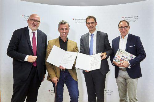 Matthä (v.l.), Hofer, Wallner und Rauch im Verkehrsministerium in Wien.BMVIT/Ranz