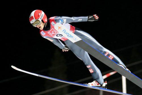 Mit Sprüngen auf 89,5 und 84,5 Meter kam Eva Pinkelnig beim ersten Saisonbewerb in Lillehammer auf den erfreulichen siebten Rang.GEPA