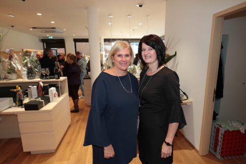 Mitarbeiterinnen Veronika Walch und Anita Kempf.