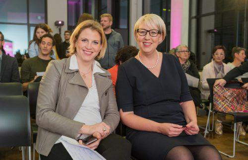 Neos-Chefinnen unter sich: Beate Meinl-Reisinger (l.) und Sabine Scheffknecht, Spitzenkandidatin für die kommende Landtagswahl in Vorarlberg. VN/Stiplovsek