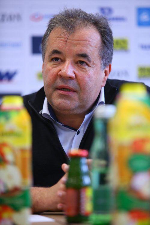 Peter Pfanner kündigt weitere Investitionen in Lauterach an.VN/HB