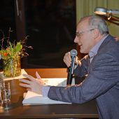 Vorweihnachtlicher Leseabend mit Reinhard Haller