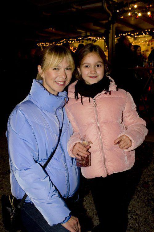 Savka Vukovic mit Tochter Masha genossen die Atmosphäre.