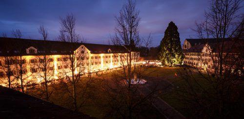 Stimmungsvoll geht es am Wochenende im Hof des Klosters Mehrerau zu, wenn der traditionelle Adventmarkt seine Pforten öffnet.Matthias Dietrich
