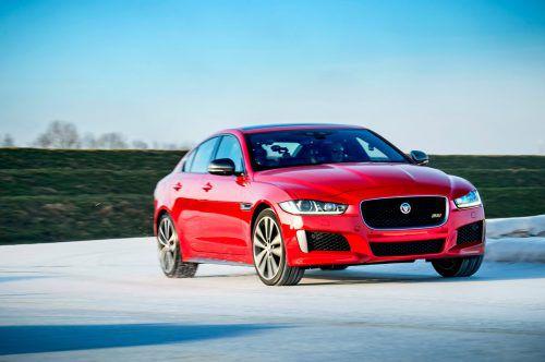 Sportlich, nach Art des Hauses, hat Jaguar den jüngsten Vertreter der Limousinenklasse interpretiert. 4x4-Antrieb gibt's ab 180 PS Leistung.