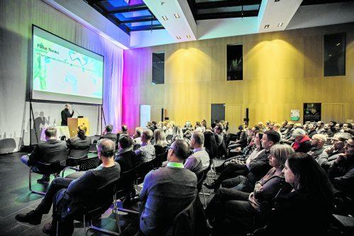 """Veranstaltungsreihe """"innovation(night"""" ging bereits zum 47. Mal im CC Rheintal vor vollem Haus über die Bühne.VN/Paulitsch"""