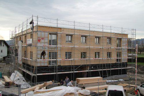 """""""Wohnen 500"""" hilft Baukosten zu sparen, das erwartet die Vogewosi auch vom neuen Programm """"Wohnen 500Plus"""". Rauch"""