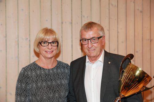 Wolfgang Fritz, mit 74 Jahren ältester Teilnahmer am Cup, mit Gattin Sonja.