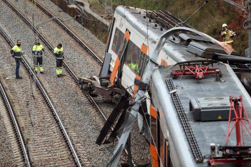 Zwei der sechs Waggons sollen aus den Schienen gesprungen sein. AFP