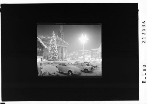 1968 parken VW Käfer unter dem hellen Stern.