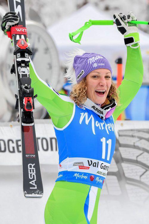 24 Stunden nach ihrem Weltcup-Abfahrtserfolg in Gröden feierte Ilka Stuhec auch den Sieg im Super-G.apa
