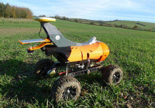 """Agrar-Roboter """"Tom"""" wird derzeit von Bauern in England getestet. AP"""