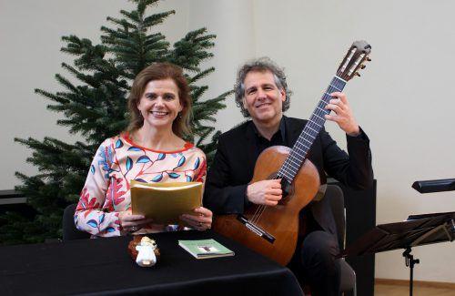 """Als bewährte Interpreten gestalten auch in diesem Jahr Renate Bauer und Alexander Swete den traditionellen """"Schloss Hofener Advent"""". bms"""