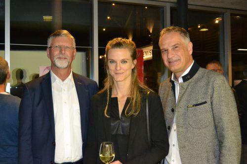 Alt-Bgm. Othmar Kraft, Haubenköchin Denise Amann und Vize-Bgm. Mario Leiter.