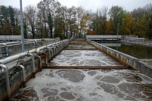 An einem normalen Tag ohne Niederschläge werden in Neu Amerika zwischen 6000 und 7000 m³ Abwasser gereinigt.