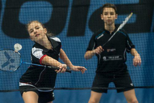 Anna-Maria Schneider und Simon Bailoni jubelten in der Unter-15-Klasse über je zwei nationale Meistertitel.Steurer