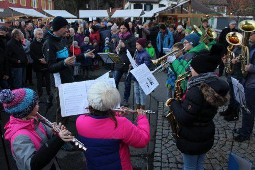 Auch die Jungmusik unter Roman Althof leistete einen Beitrag zur Feier.
