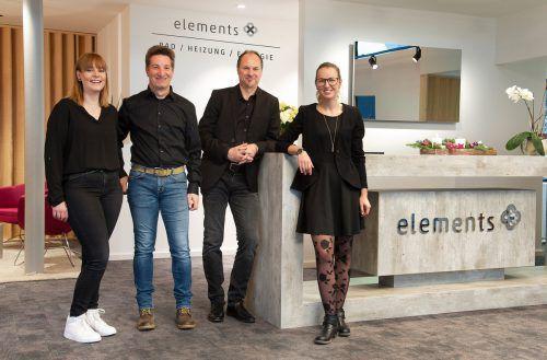 Ausstellungsleiter Dieter Krieber (3.v.l.) mit seinen Mitarbeitern Lilliane Spindler, Thomas Marth und Anja Leeb in der neuen Elements-Ausstellung in Schwarzach. Fa