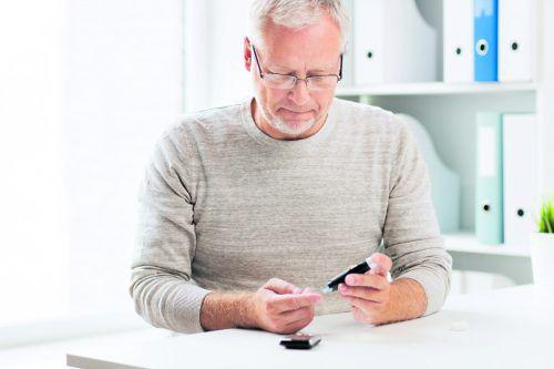 Bei Diabetes spielt die Blutzuckermessung eine wichtige Rolle.fotolia