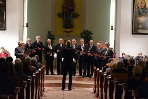 Besinnliche Adventstunden können auch heuer wieder im Franziskanerkloster erlebt werden. Kloster