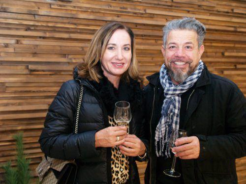 Besucher-Duo: Karin und Salvatore Antonaci.