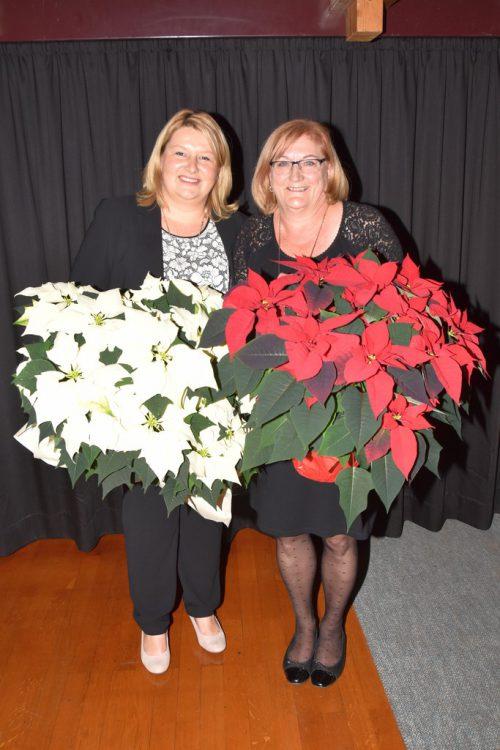 Blumen für Violetta Giselbrecht und Katharina Pfanner. guta lauterach