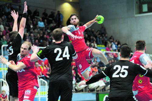 Boris Zivkovic überzeugte nach dem Seitenwechsel im Angriff und steuerte insgesamt neun Tore zum 25:22-Heimsieg bei.gepa