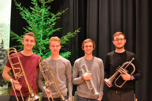 """""""Brass Adventure"""" begleitete neben eigenen Darbietungen auch gekonnt die gesungenen Weihnachtslieder. BI"""