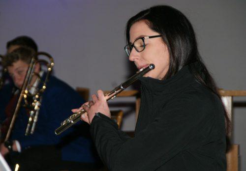 Chor Joy und die Bürgermusik hatten zum Jubiläums-Adventkonzert geladen.pe