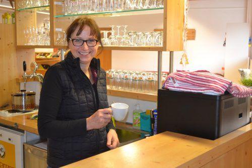 Christine Graß betreibt den Kiosk im Winter. em