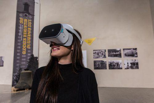 Dank der Virtual-Reality-Brille wird die Geschichte über die Glockenabnahme sinnlich erfahrbar. VN/STeurer